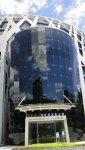 海峽交流基金會主體建築中央部份亮眼的玻璃帷幕一景