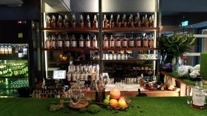 整個酒櫃都是汀士頓的酒